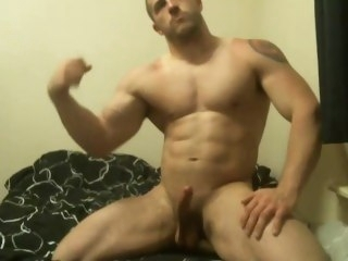 Hot muscle guy shows off and cums on webcam solo male muscle