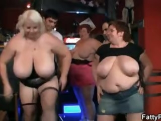 Three fat chicks have recreation in the bar blonde fattypub