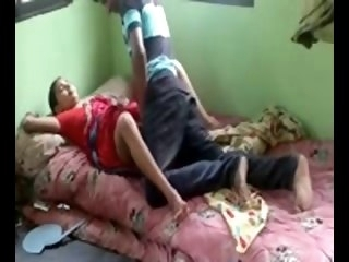 Desi guy fucking prostitue hither his home milf hidden cam