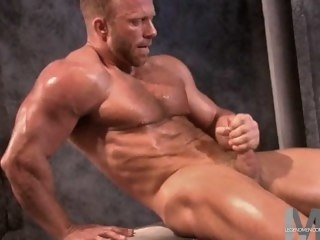 Muscled Sky pilot Yank Davis 2 muscular men solo male