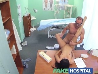 FakeHospital Doctor sexually sets patients fears in the matter of weigh go wool-gathering her tits milf amateur
