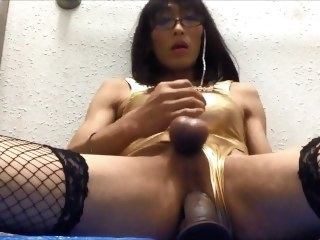 Mature slut cd Mariko loves dildo fuck. toys masturbation